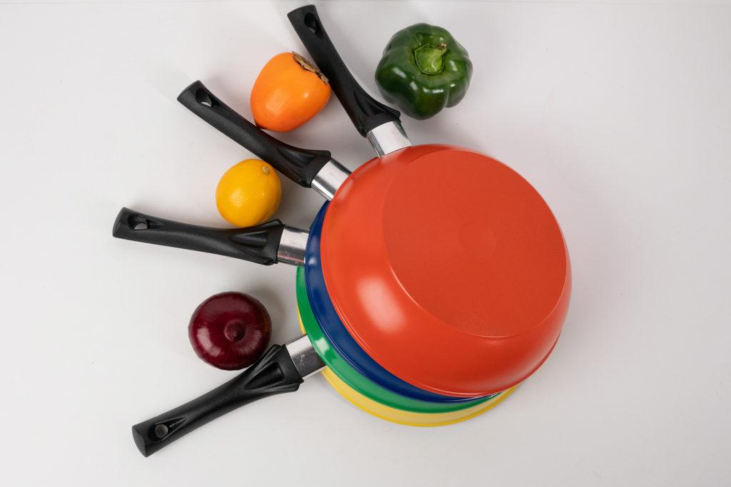 Коллекция посуды colori Vari